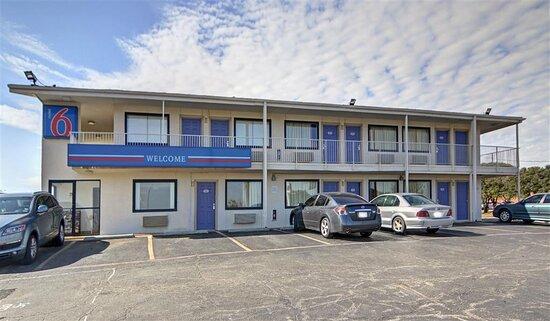 Motel 6 Denton, TX - UNT