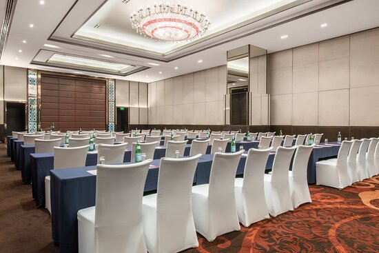 Sapphire is also best suited for classroom style setup for events