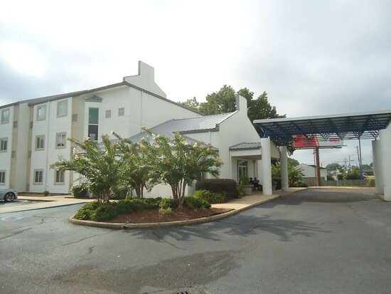 Motel 6 Jackson Airport- Pearl