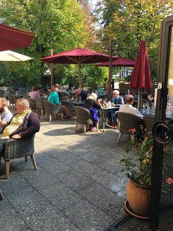 """Bad Endorf, Germany: Terasse, Biergarten """"Il Mondo"""""""
