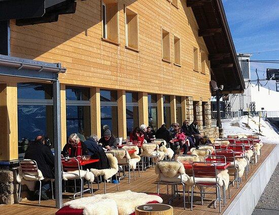 Beatenberg, Suisse: Niederhorn, Berghaus au sommet du Niederhorn