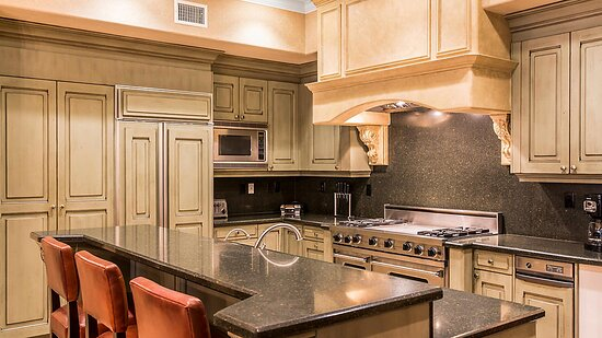3 Bedroom Presidential Suite - Kitchen