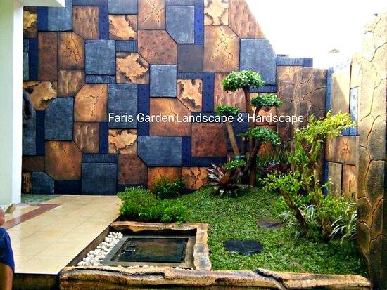 Сурабая, Индонезия: Kami Faris Garden Jasa Profesional Desain dan Pembuatan Taman di Surabaya Dengan Tenaga profesional dan portofolio lengkap mulai dari tahap survei, desain Taman Landscape dan Mengerjakan Taman Sampai Tahap Akhir dan Selesai sesuai keinginan, Untuk Masalah Harga bisa menyesuaikan dengan budget, untuk kualitas jangan di ragukan lagi kami memberikan garansi semua project yang kami kerjakan, Hubungi Segera Untuk Mendapatkan project yang anda impikan, More Info wa :085280748166  #TukangTamanSurabaya