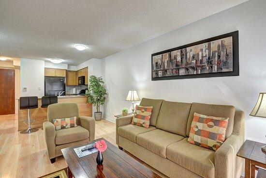 Bombay Suites Mississauga - Livingroom