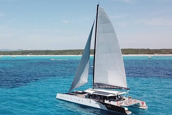Catamaran Ride with Excursion to the Island of Barù