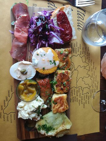 Bajardo, Itálie: Antipasto