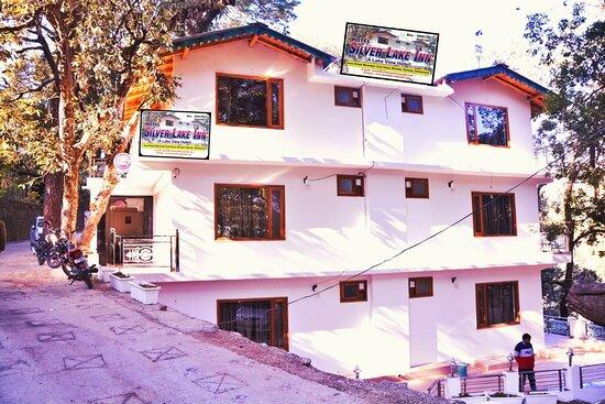 Bhimtal, הודו: Front Hotel