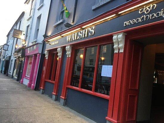 Walsh's Bar