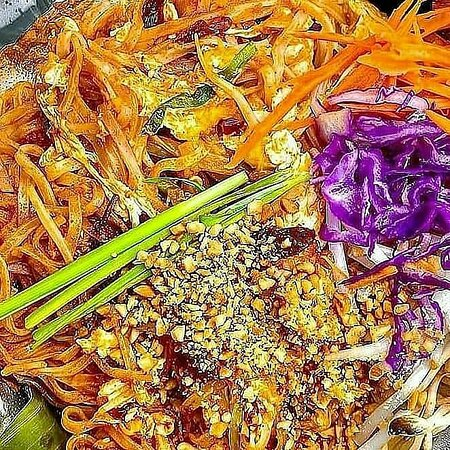 Best Pad Thai  #koonnine BY fruit stand
