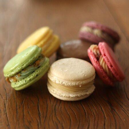 Macaron feito 100% com farinha de amendoas. Sem gluten/ trigo Ganache de Chocolate Callebaut