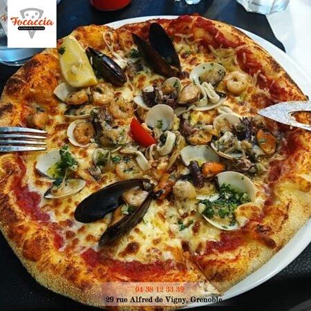 Pizza Fruits de mer Focaccia Ristorante Pizzeria
