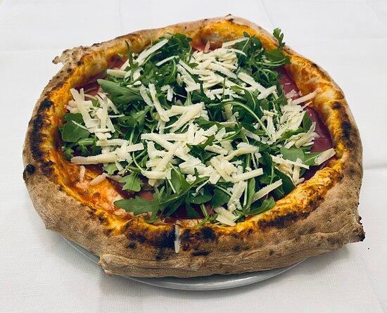 Pizza bresaola rucola e grana