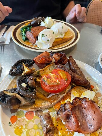 Best breakfast in Ballarat. The eggs where beautifully creamy and cooked to perfection. Every item had burst of flavour that when paired with each other took the breakfast to a whole other level.