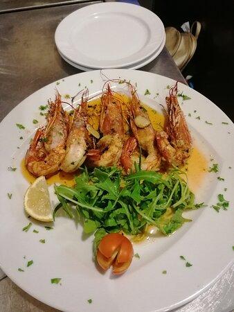 Camarão à Algarvia, uma boa opção para começar um excelente jantar.