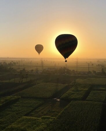 Hot air balloon ride in Luxor over Valley of the Kings