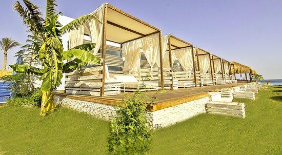 Free beach beds at the beach of Hurghada Marina.