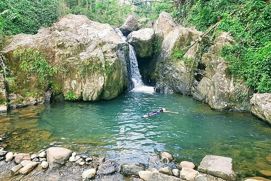 Escursione alla cascata nascosta