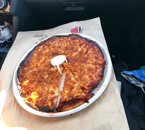 Hanson, MA: Plain cheese pizza at Damien's.