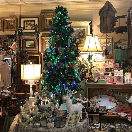 Dorothy's Florist & Gift Shop
