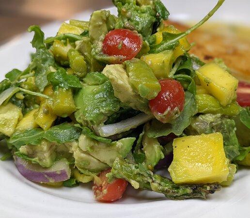 Avocado 🥑 and mango 🥭 salad