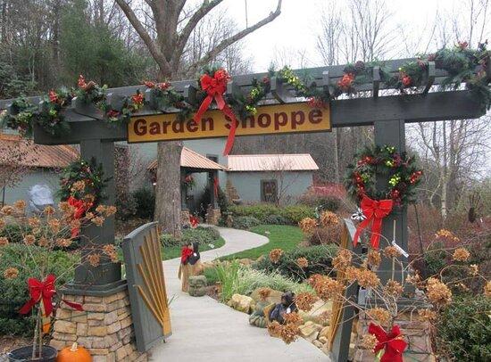 Treasure Potts Antiques And Garden Shoppes