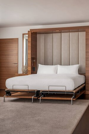 Presidential Suite - Murphy Bed