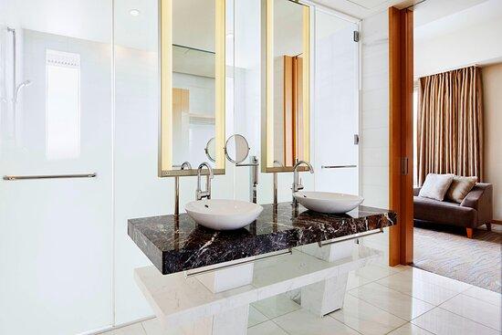 Corner Suite Basin