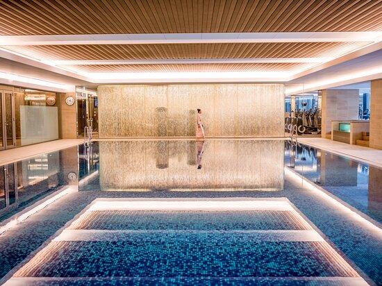 20 meter indoor lap pool with accompanying indoor jet bath