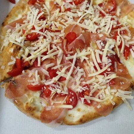 Pizzeria d asporto e consegne a domicilio