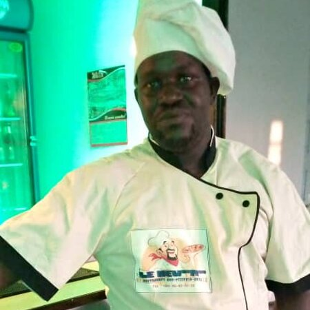 Owendo, Gabon: Chef cuistot, prêt
