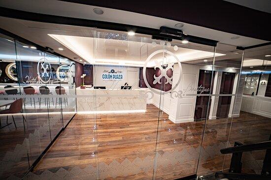 Recpeción Hotel Colón Plaza Valladolid