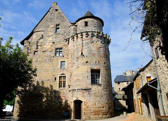 Chateau Et Mairie