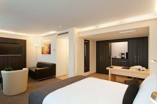 Junior Suite with spacious seating area