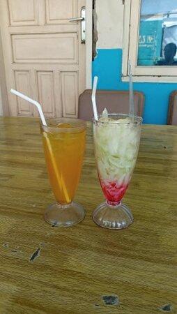Indramayu, Indonesië: Es jeruk yg tidak berasa jeruknya & es timun serut yg aneh