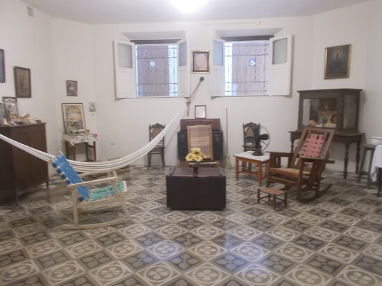 """One of about 2 or 3 rooms with displays but """"not for entering"""" (in the basement)"""