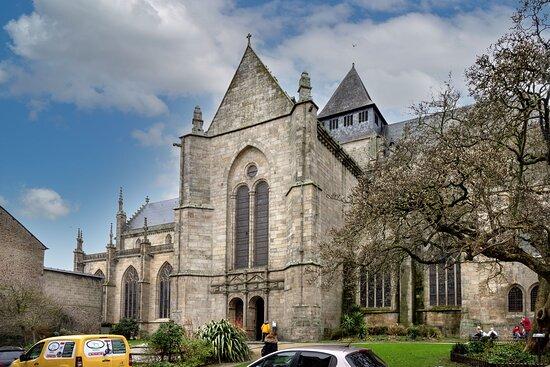 Jolie église