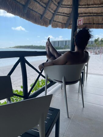 Barcelo Maya Riviera In Mexico 🇲🇽 Was So Relaxing, Every Employee On This Hotel Is Just Amazing, Friendly Great Customer Services People. Seriously They Will Do Anything To Accommodate You And Make Sure You Are Enjoying Your Vacation During Your Stay. I Will Go Back To The Same Hotel. Thanks, Everyone!!