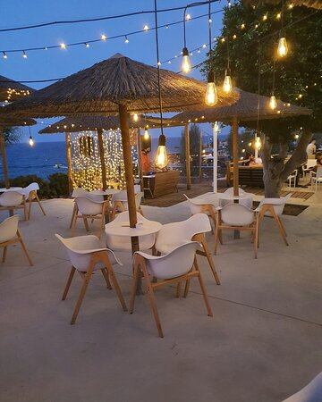 Granita bar:  Fresh summer cocktails & overlooking the picturesque Malama bay, can't get much better