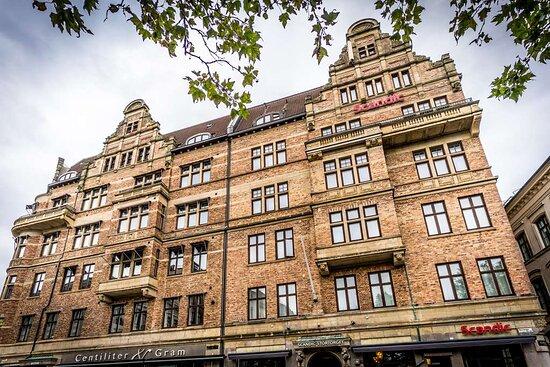 Scandic Stortorget facade day