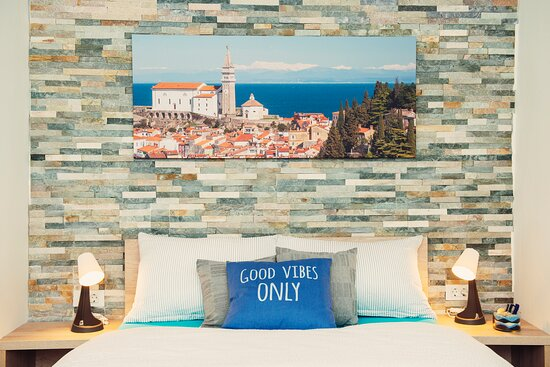 Double Room with Private Terrace (Bathroom w/ dual head shower) - Picture of Old Town Rooms Piran - Tripadvisor
