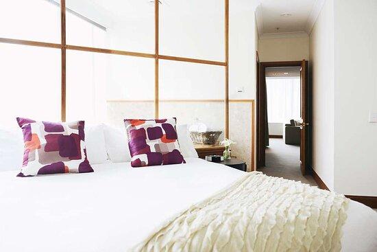 Premier Spa Suite Rydges Melbourne