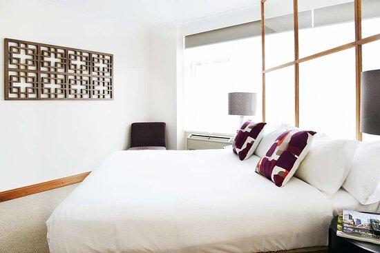 Premier 2 bedroom Spa Suite Rydges Melbourne