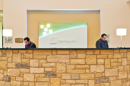 Front Desk and Agents Ready to Greet You Upon Your Arrival