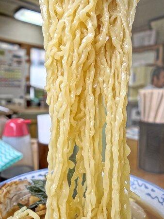 デラックス中華 #迷いに迷って #デラックス #たまに食べたい #デラ中 #煮干しの香り #朝ラー #一番乗り #フロアの平均年齢 #高い #ガンガン話しかけてくる #それも味
