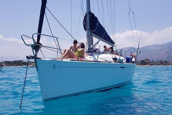 Vive el Mar sailboat