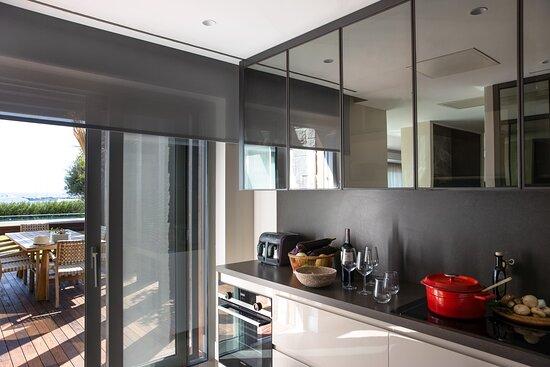 4 Bedroom Villa Kitchen Details