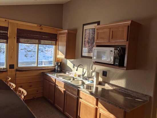 Kitchenette in the Suprioer Lodge Suite