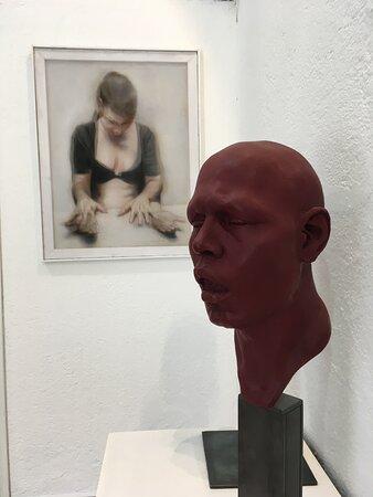 Cada una de las obras que se encuentran en Nuun Espacio de Arte, cuentan con certificado de autenticidad.