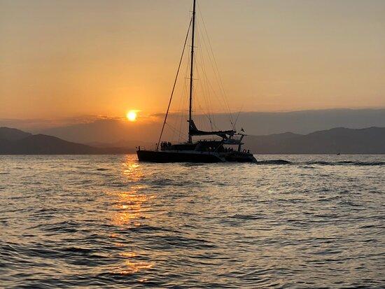 Saint-Raphael, France: AMC Cape Grace - Sorties en mer en maxi-catamaran coucher de soleil