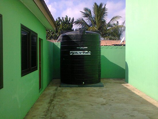 Haatso, Ghana: Water Storage